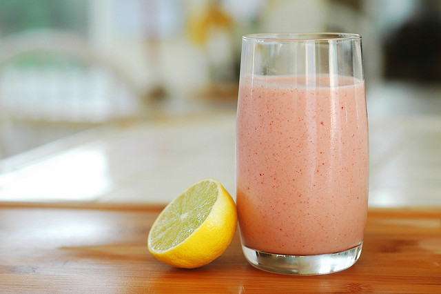This Delicious Banana Smoothie Burns Fat Like Crazy!